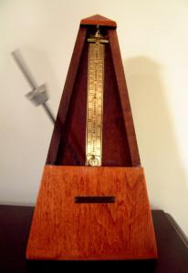 metronome-1454325-639x932