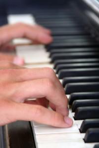 piano-lesson-1547458-1600x2400